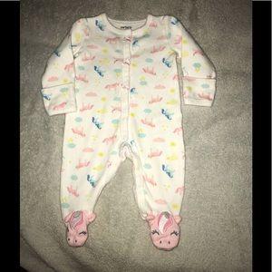 Baby Girl NB Carter's Unicorn sleeper with feet.